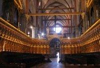 Церковь Санта Мария Глориоза деи Фрари. Старинные резные кресла хоров