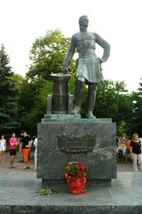Памятник Петру первому (Азов)