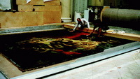 Реставраторы удаляют профилактические заклейки во время дублирования